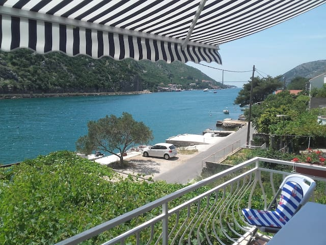 Apartment Paula - scenic view -  up to 7 guests - Dubrovnik - Rumah