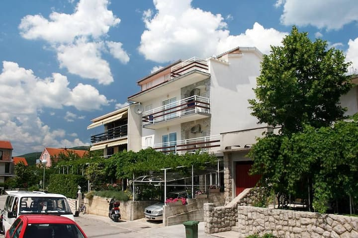 One bedroom apartment with terrace and sea view Crikvenica (A-5553-c) - Crikvenica - Flat