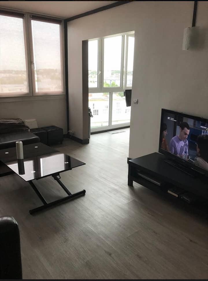 Bel Appartement près d'aéroport et de Paris