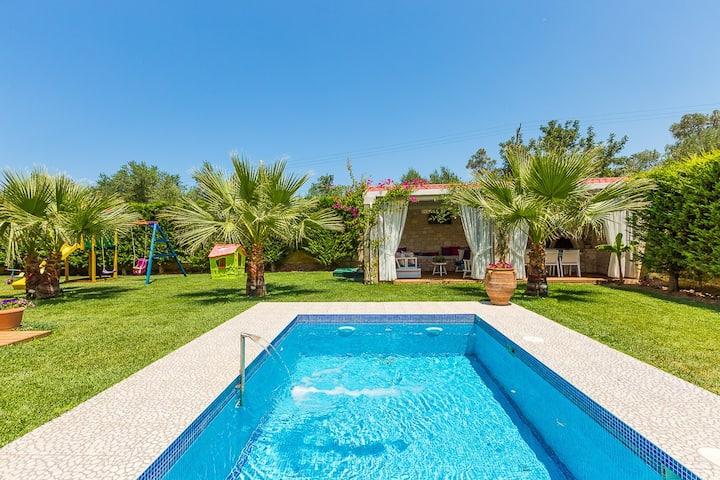 Dimitrios Villa a Luxury Retreat!