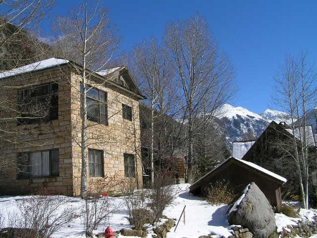 Sunny 4 bedroom comfortable Telluride home