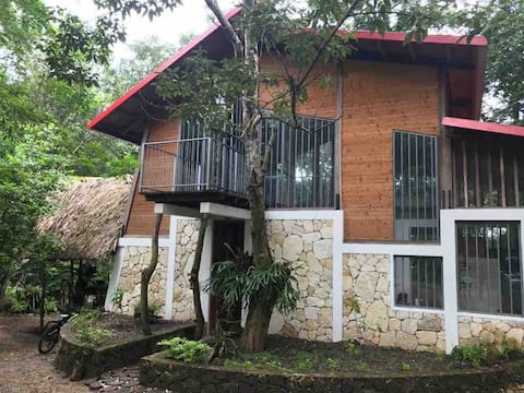 4 blocks with private access to Lake Peten Itzá