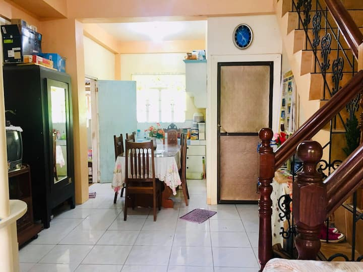 Baler Transient House , Family/Barkada