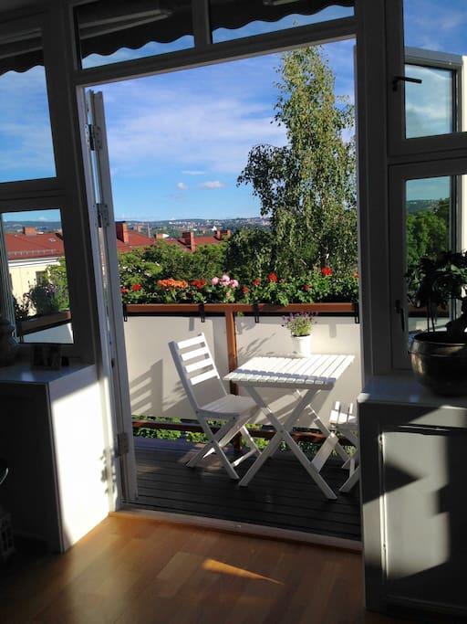 The lovely balcony - sunlight from app 12am - 6am