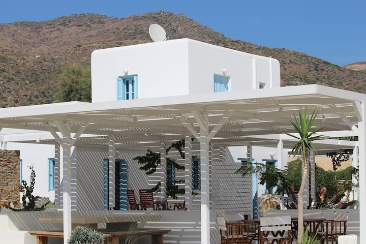 "Villa ""Epano"""
