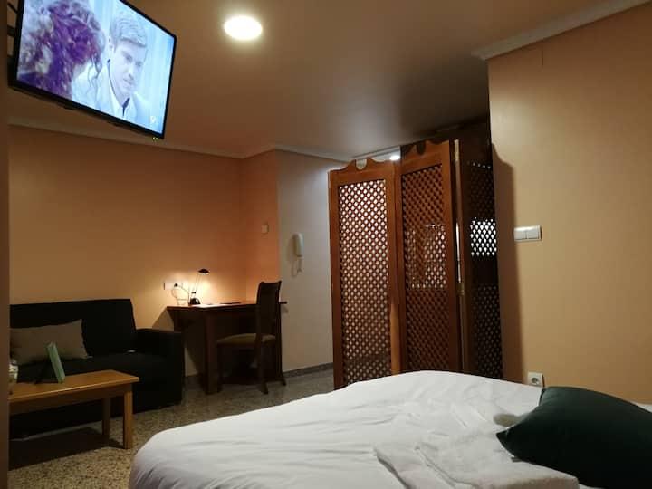 Apartamento Nuevo y Céntrico + Garaje (205)