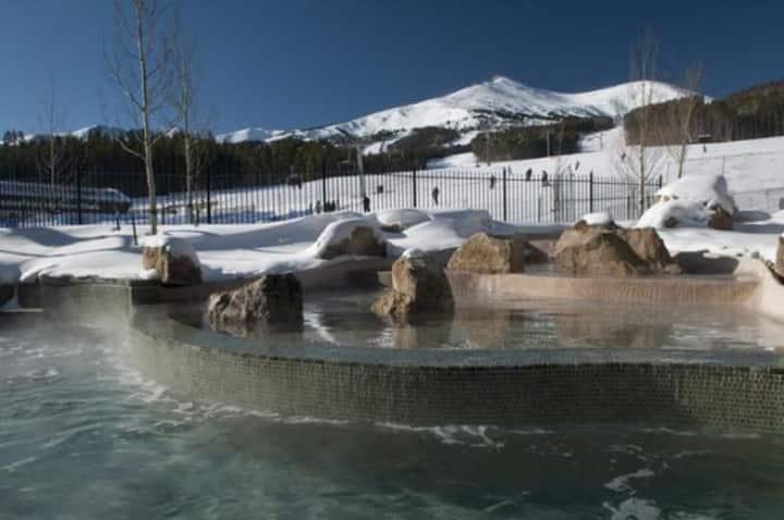 Breckenridge Grand Lodge on Peak 7 Ski-in/out