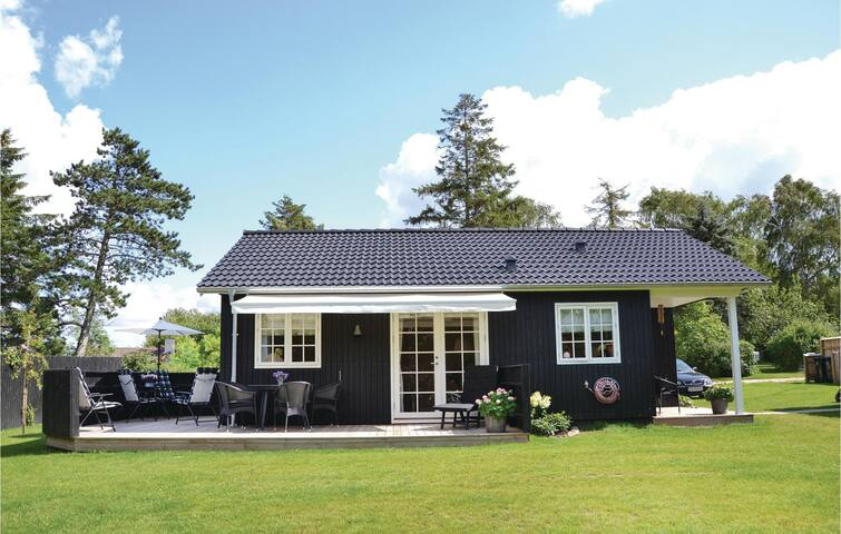 Holiday cottage with 4 bedrooms on 100m² in Kirke Hyllinge