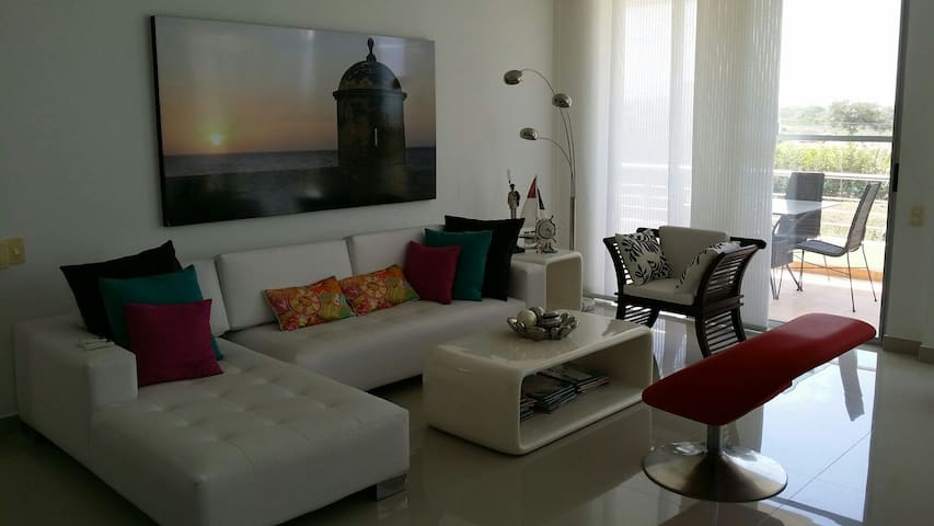 Relaxing Pool Condominium 12 Km close to Cartagena