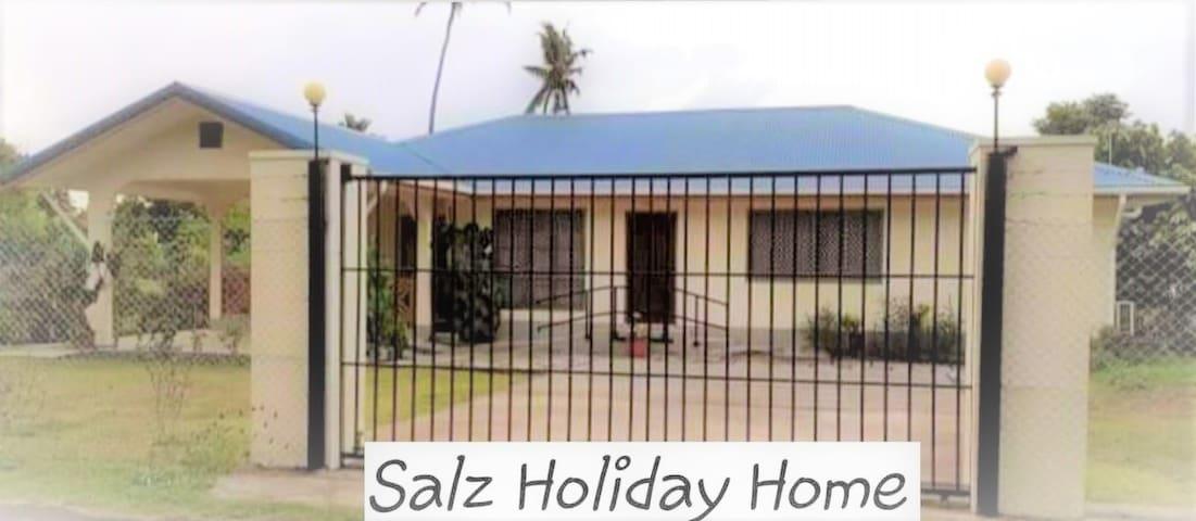SALZ HOLIDAY HOME
