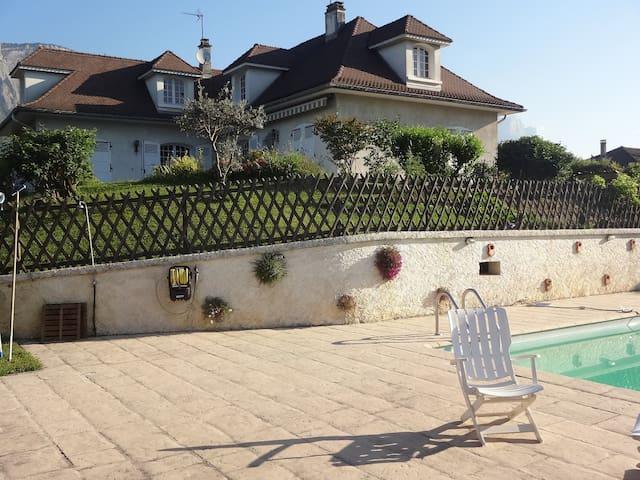 Grande maison avec piscine en Gresivaudan - Meylan - Leilighet