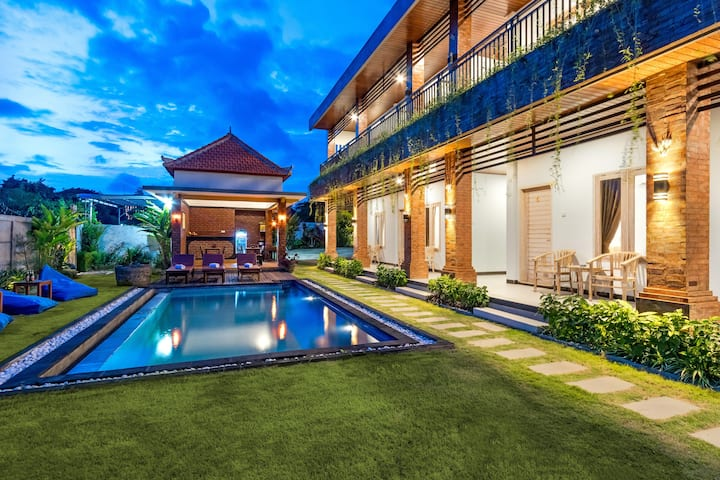 CANGGU ACCOMMODATION-FESTIVE HOLIDAY - LA SARI