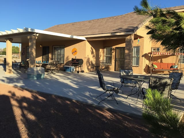 ADA, PET FRIENDLY, CENTRALLY LOCATED CASA PAHRUMP - Pahrump