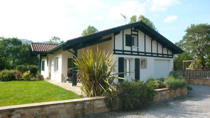 Maison avec piscine au Pays basque - Ossès - Casa
