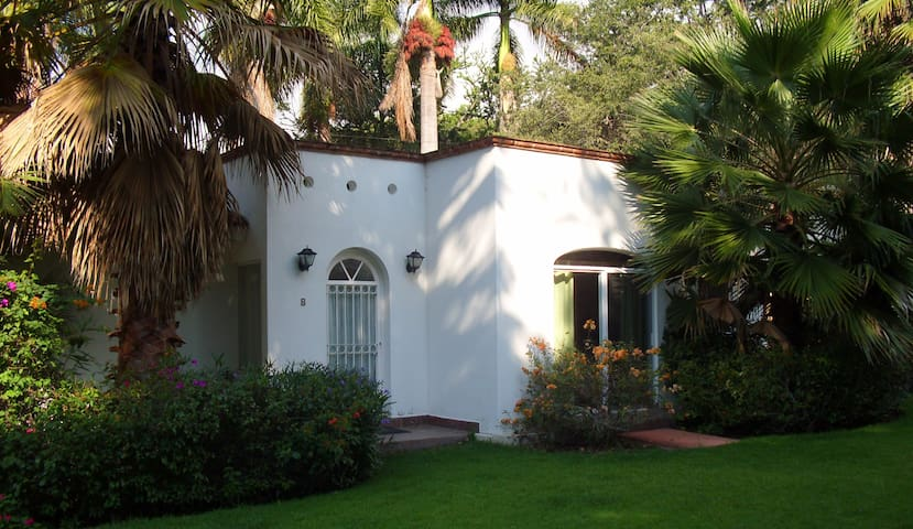 Casita B at Lake Chapala - Ахихик