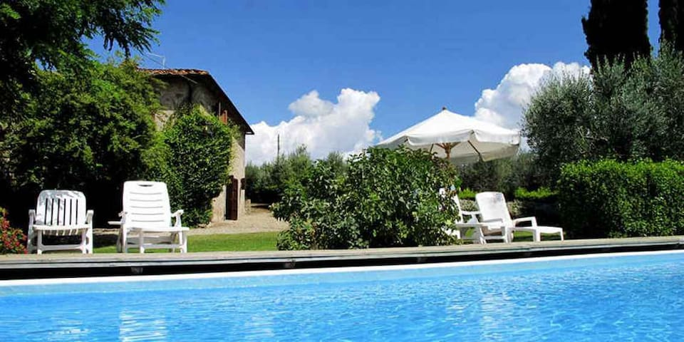 Large villa with private garden and swimming-pool - Bucine - House
