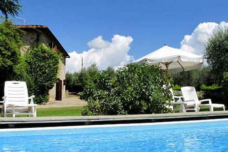 Large villa with private garden and swimming-pool - Bucine - Huis