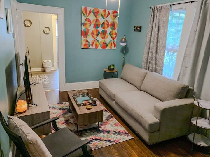 Chill Apt in Home 1BD/1BA-Minutes from ATL airport