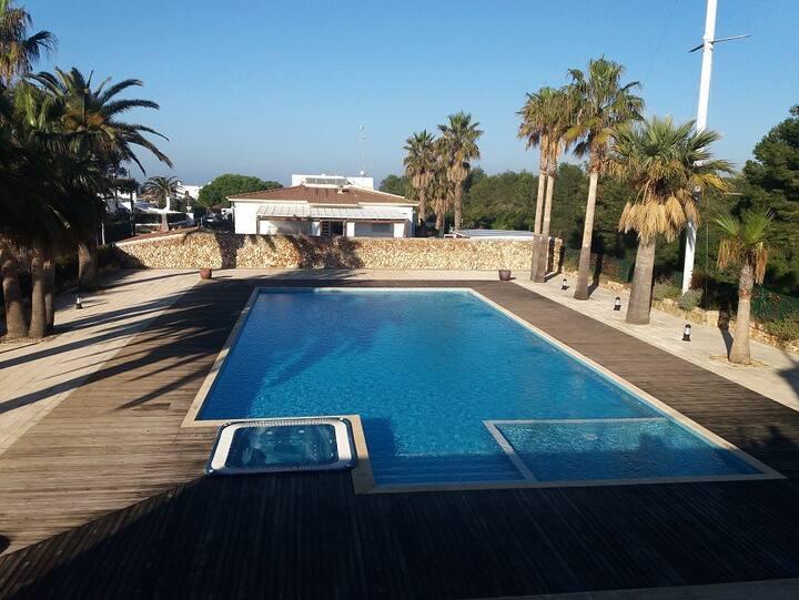 DUPLEX CON PISCINA al lado de Playa Santandría