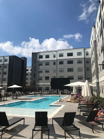 Sublease at Evolve Bloomington (June-July)