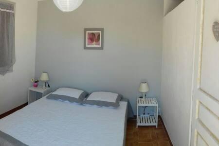 Chambre individuel au Golfe de Lava - Ajaccio - Bed & Breakfast