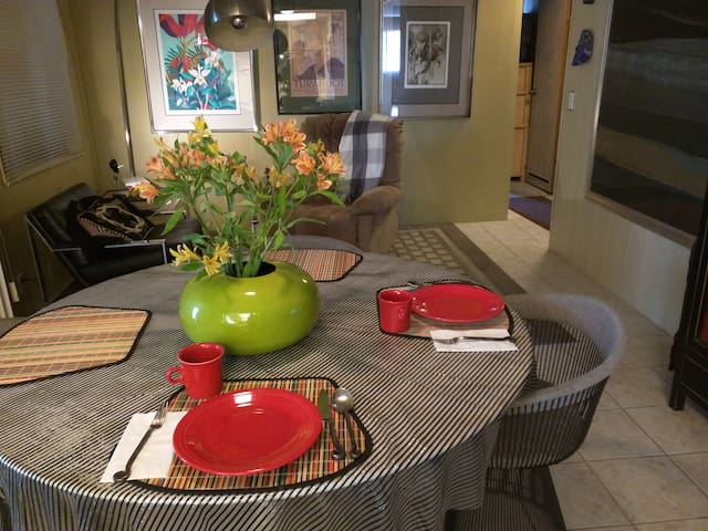 Quiet,Relaxing and Great Palm Springs Location - Palm Springs - Casa