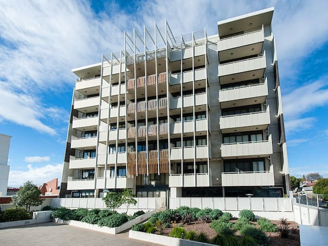 2 B/R Apartment 8km from Melbourne Central - Preston - Apartamento