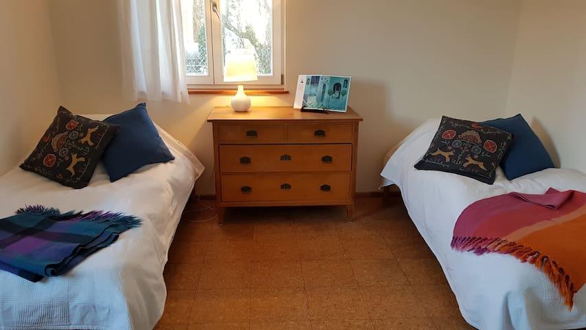 Ruhiges Zimmer zu Füßen des Goetheanums