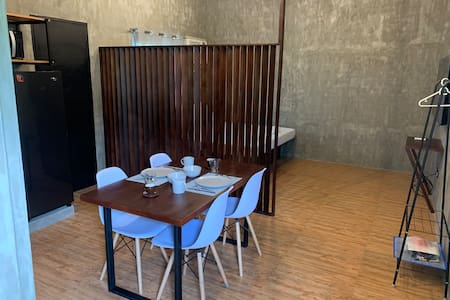 (B) Peaceful Modern Studio w/Netflix