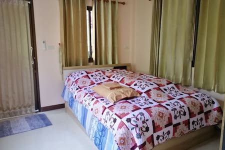 The Happiness Homestay in Bang Ya Preak