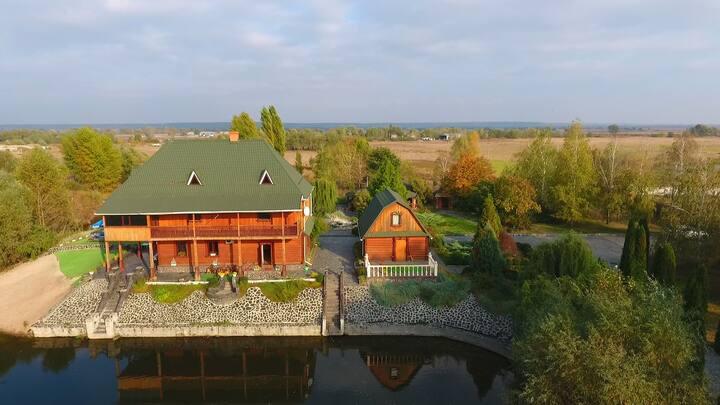 V.I.P. загородный комплкекс с частным озером