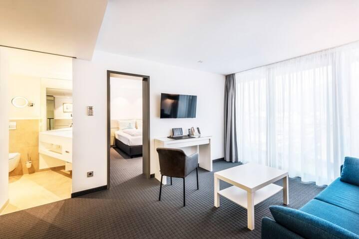 HGS³ KG - Das Konzepthotel, (Schelklingen), Junior Suite für bis zu 2 Personen