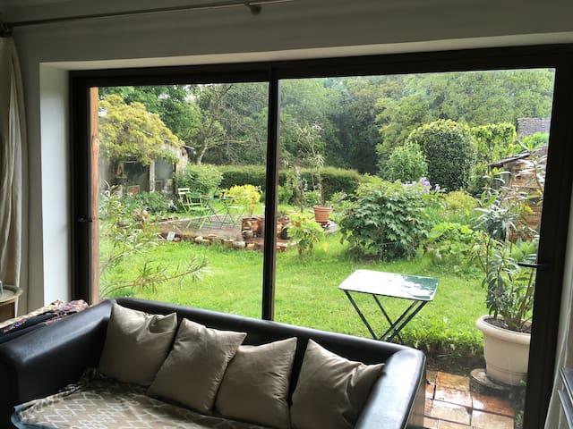 Loft sur jardin dans un village de céramistes
