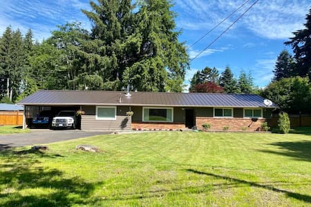 Cozy 3 bedroom home  in the heart of Forks!