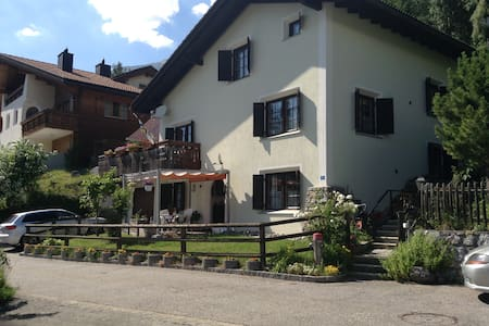Sonnige ruhige Wohnung Tgamona am Südhang Alvagni - Alvaneu Dorf  - 公寓