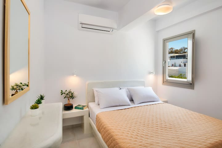 Bedroom 1 / Double bed