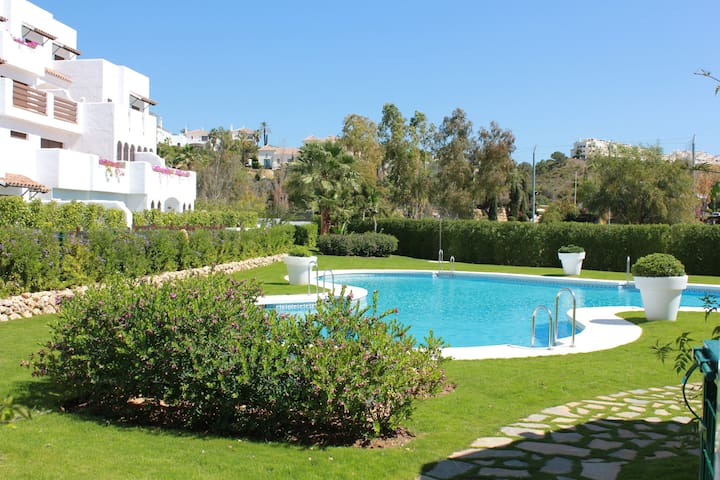 Beautiful, Brand New Apartment - Estepona - Apartamento