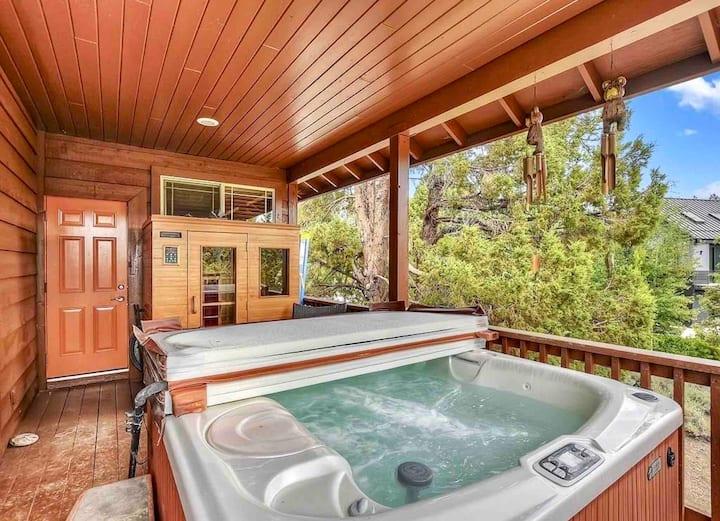 Bearadise: Hottub, Game Room, Sauna, Views!!