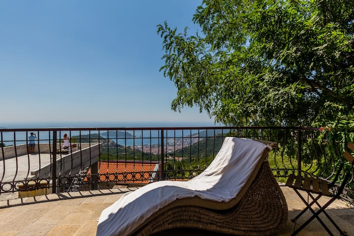 Villa Montenegrin Jewel with Sea View in Budva