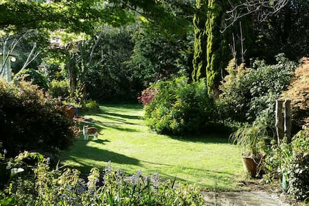 Beautiful Glenbervie Gardens - Glenbervie - Bed & Breakfast