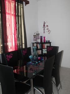 Chambre privée sécurisée Chez Lo + WIFI gratuit - Beau Bassin-Rose Hill