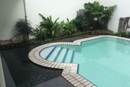 (1) Luxury super large BR + free wifi + pool - Kebayoran Lama