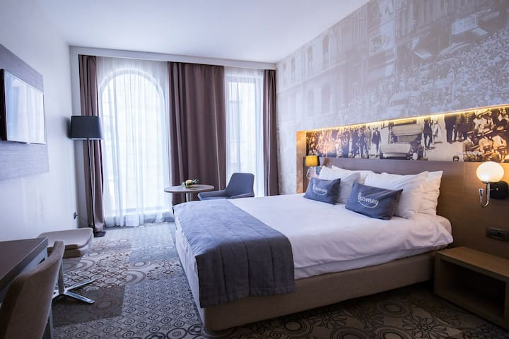 THE HARMONY   Super Central Hotel Room & Free Gym