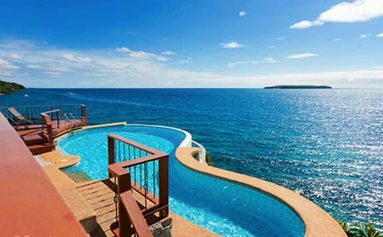 VILLA ON A CLIFF (Main House) Cebu - Oslob - Huis