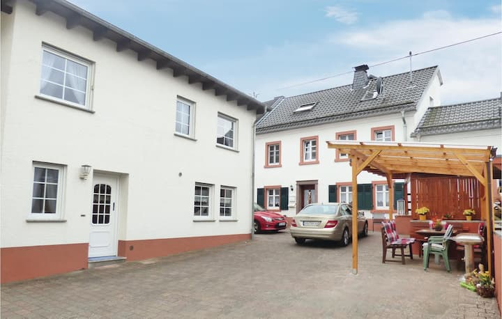 Holiday cottage with 3 bedrooms on 63m² in Strohn