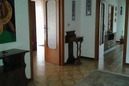 Pescara : Appartamento in Villa con terrazzo - Spoltore