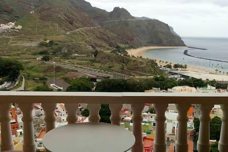 Sol y vistas a la playa de las Teresitas - San Andrés - Wohnung