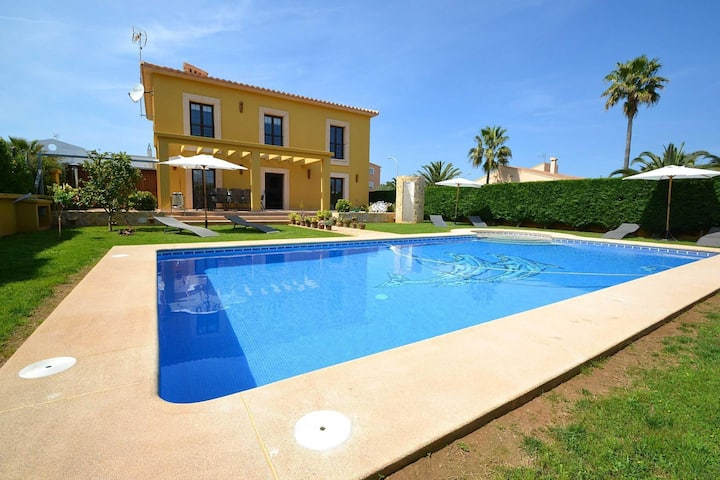 Luxurious Villa in Sa Coma Majorca with Jacuzzi