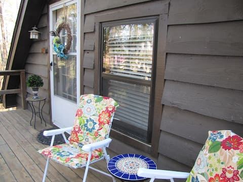 Peace Valley Sanctuary- Tree Tops Cabin Studio