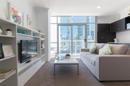 Cozy, elegant apartment central CBD - free WiFi - Perth